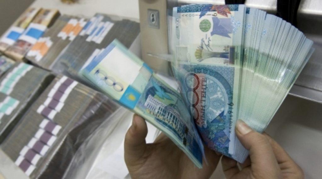 Сколько в Казахстане должников по кредиту?