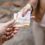 Стоит ли брать займ у частного лица?