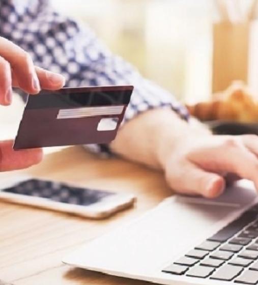 На какие карты можно оформлять онлайн кредит?